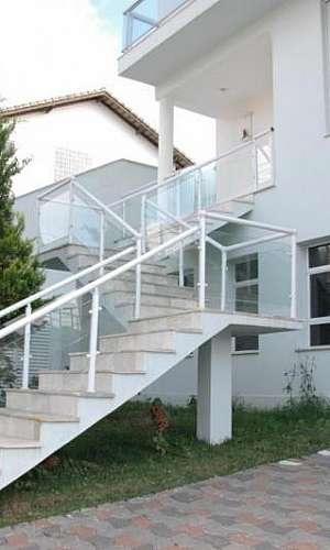 Corrimão de Alumínio Branco com Vidro