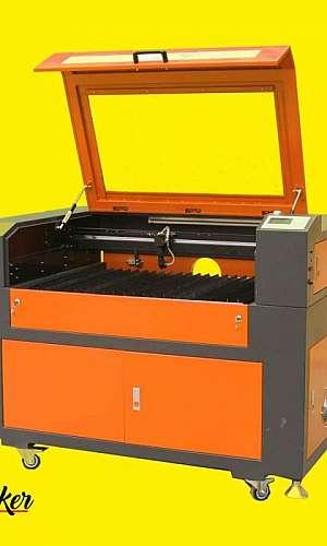 Máquina de corte a laser de pequeno porte