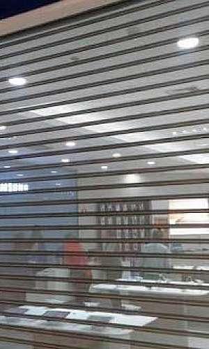 Porta comercial de enrolar automática