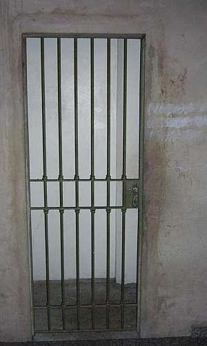 Portão de ferro para porta