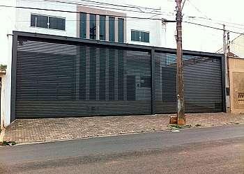 Portão de ferro para garagem